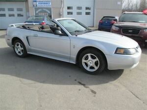 2003 Ford Mustang decapotable garantie inclus)