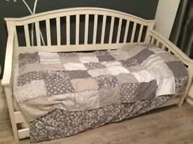 Day Bed for sale - single.