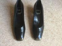 Italian Designer Bruno Magli black leather shoes - Brand New