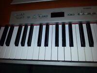 Yamaha P120 88 note hammer action keyboard + double stand + Sennheiser headphones + Yamaha cover