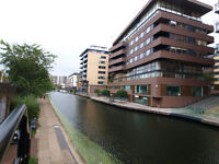 Large 2/3 bed flat based seconds from Regents Canal & Old Street Station ideal for sharers