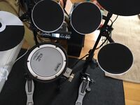 Bargain!Roland V Drum TD 4KP portable e-drum plus accessories £625 ONO