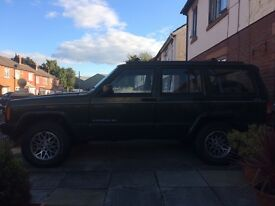 Jeep cherokee , spares or repair. Bodywork, engine and gearbox are all in good condition.