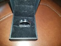 Mens white 9ct gold wedding ring size v was £500 2 years old just cleaned cist £25 to look as new