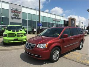 2016 Chrysler Town & Country Touring-L SUNROOF NAVIGATION DUAL D