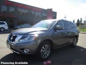 2016 Nissan Pathfinder SV, local/no accidents