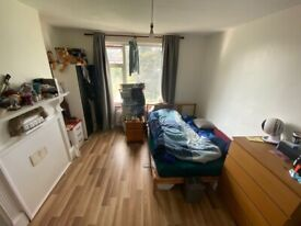 1 Double Room to Rent including all the bill