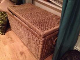 Sea grass storage chest