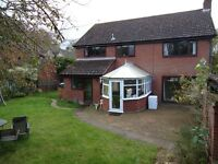 FIVE NIGHTS per week Lodgings, DOUBLE room ENSUITE available in EXECUTIVE house Nr NORWICH AIRPORT