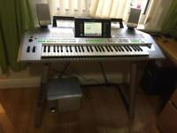Yamaha Tyros 2 with Tyros speaker system and Yamaha stand. Hard drive and Extra Memory