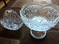Lovely Crystal Glass Fruit bowl and sweet basket, heavy and in great condition
