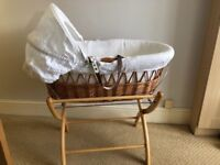 Izziwotnot Moses basket and stand