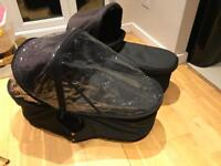 Carrycot Plus - Mountain Buggy Duet x 2 - twins
