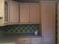 Kitchen Units, Fridge, Freezer, Slimline Dishwasher & Gas Cooker
