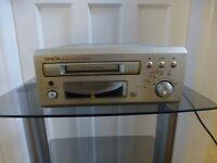 UNUSED DENON DMD-M30 MINI DISC RECORDER PLAYER PLUS 5 NEW MINI DISCS