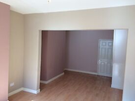 2 bed house to rent in quiet street. Recently refurbished, excellent transport links to city centre