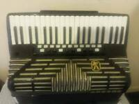 Accordion Hohner imperator 5 super muzet