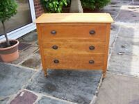 Vintage Old Chest of Drawers ( Maybe Oak)