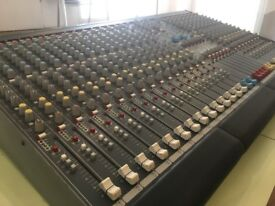 Allen & Heath GL2200 Mixing Desk
