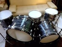 Ludwig Classic Maple Vintage Black Oyster Pearl Drum Set