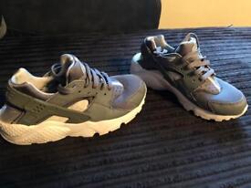 Kids Nike Huaraches Grey Size Uk 3.5