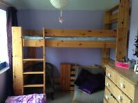 Excellent condition pinewood bunk bed (single)