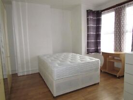 Available now !! nice rooms in Greenwich