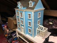 Dolls house and contense