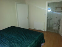 DOUBLE BEDROOM WITH BATHROOM INSIDE TO RENT (SHORT TERM)