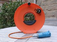 CARAVAN – CORDWHEEL WITH 25 METRES OF HOOK UP MAINS CABLE