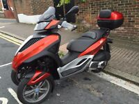 Piaggo Yourban 300 cc with over £ 500 of accessories