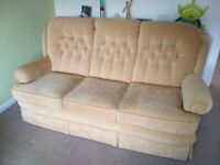 FREE - 3 SEAT SOFA - EXCELLENT CONDITION - COLLECTION ONLY