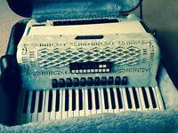 120 bass Borsini piano accordion SL/4117 M, in pearlescent white £1,000