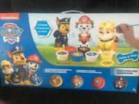 Paw patrol figures paint set unopened bnib