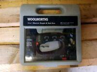 Woolworths nail and staple gun *tools, diy, work, Dewalt, Milwaukee, Makita, Bosch