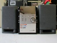 PANASONIC CD STEREO SYSTEM PANASONIC SA-PM29 WITH DENON SPEAKERS USC-C1
