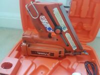 Paslode im 350 nailgun with box charger and one battery
