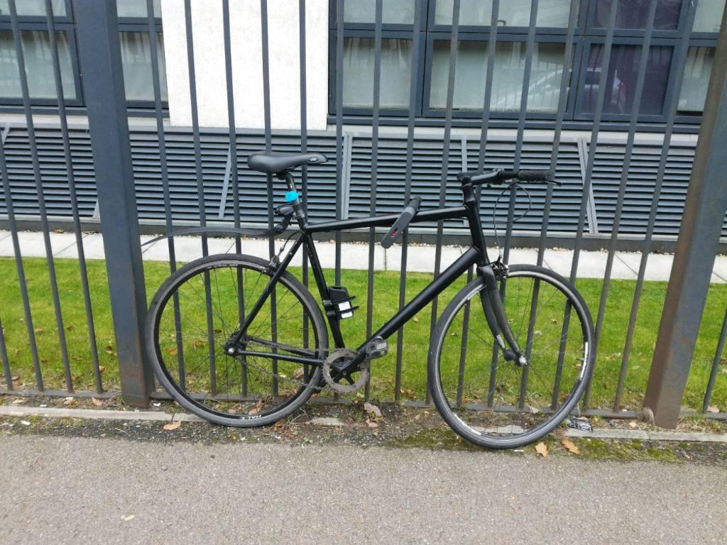Black lightweight one speed bike