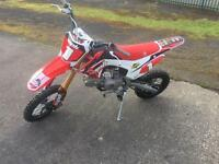 Race wpb Welsh pit bike 125 not stomp