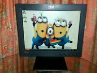 IMB ThinkVision LCD MONITOR 15 INCHES with Free New VGA & Kettle Lead Cables UK