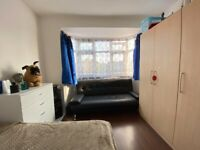 Stunning Double room in Alperton, Wembley, Piccadilly Line. All inclusive.