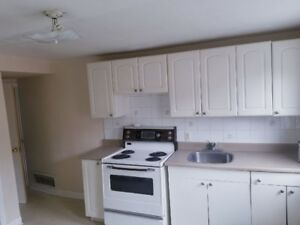 2 BEDROOMS DOWNTOWN APARTMENT  AVAILABLE NOW!