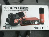 Scarlett Focusrite In Box