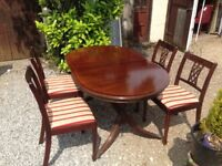 Mahogany extendable dining table & 4 chairs