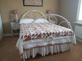 VICTORIAN STYLE WROUGHT IRON DOUBLE BED