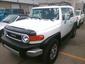 2014 Toyota FJ Cruiser 4X4 & AUTO & BLUETOOTH & ALLOYS & LOADED