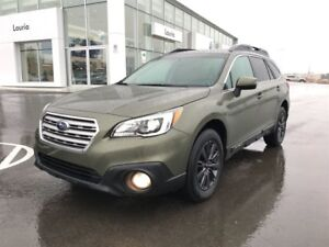 2015 Subaru Outback 3.6R Touring AWD - 1 owner / Leather