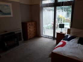 **FULLY FURNISHED GROUND FLOOR ROOM AVAILABLE**DSS ONLY**FREE WIFI**SPARKHILL**PHIPSON RD**