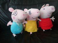 Talking Peppa Pig, Mummy Pig and Daddy Pig soft toys