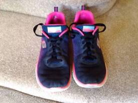 Girl's Skechers trainers size 4 VGC
